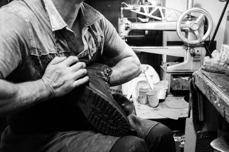 Shoe Repair Workshop Craft Work  - GermansLat / Pixabay